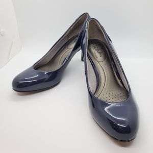LifeStride Lively Navy Heels